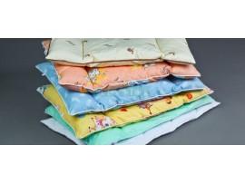 Подушка детская (верх - бязь; наполнитель - гипоаллергенное полиэфирное волокно)
